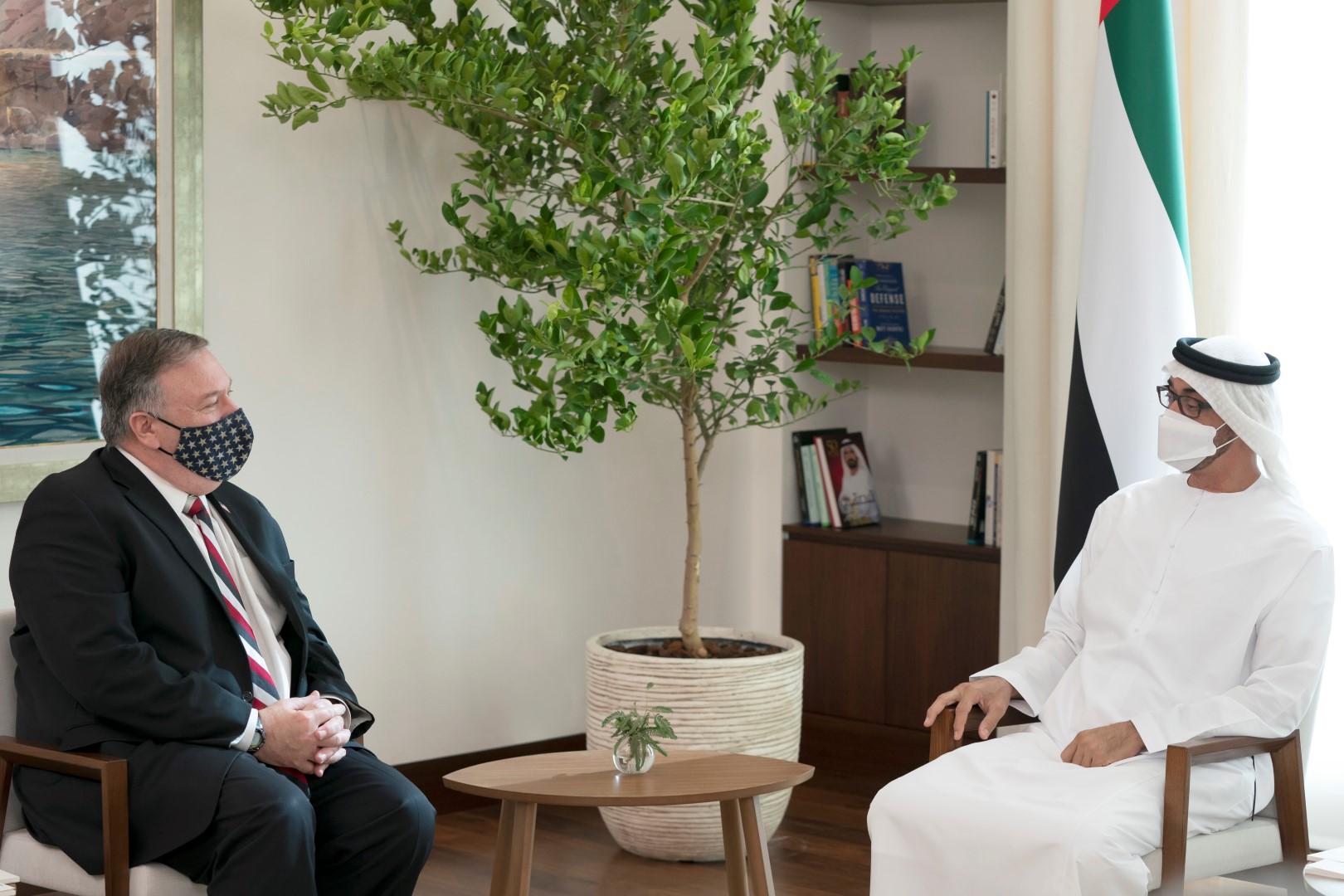 محمد بن زايد يستقبل وزير الخارجية الأميركي