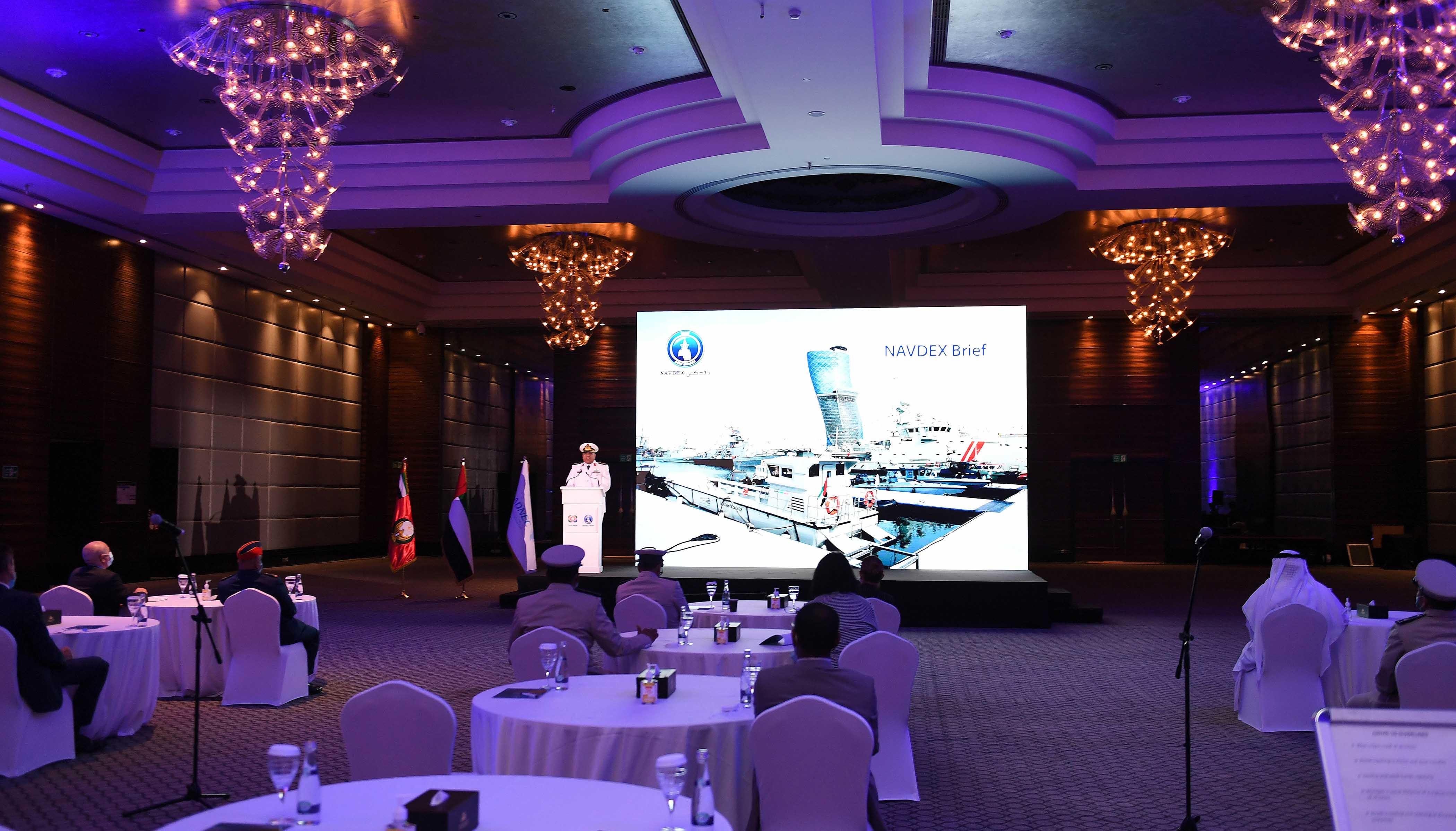 """العليا ل"""" آيدكس ونافدكس 2021 """" تطلع الدبلوماسيين والملحقين العسكريين على استعدادات استضافة الحدث"""