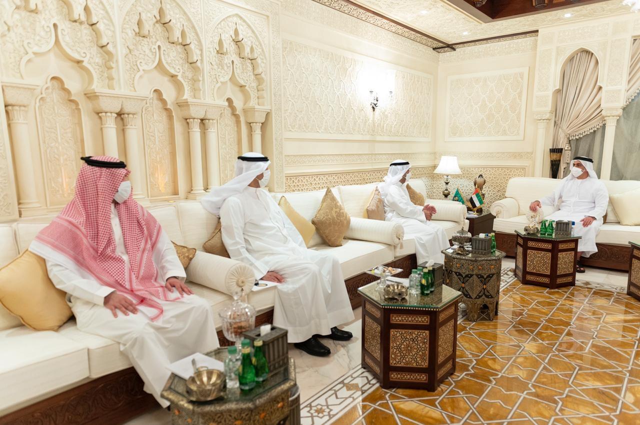 سيف بن زايد يستقبل أمين عام مجلس التعاون الخليجي