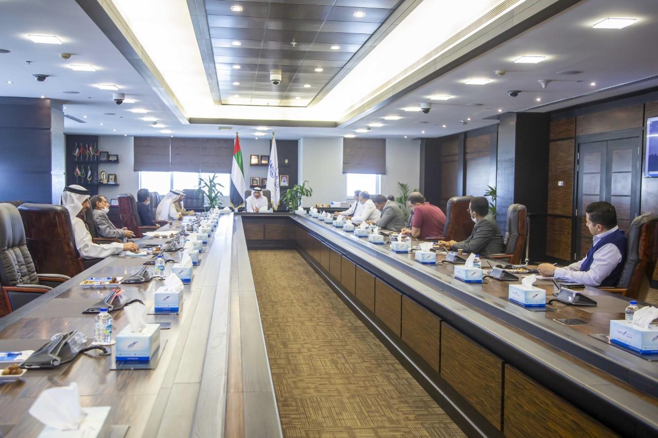 غرفة الفجيرة تناقش مشاكل قطاع التشييد والبناء في الإمارة