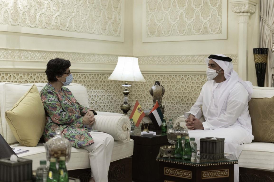 Emiratos Árabes Unidos y España firman un acuerdo para fortalecer la cooperación en defensa