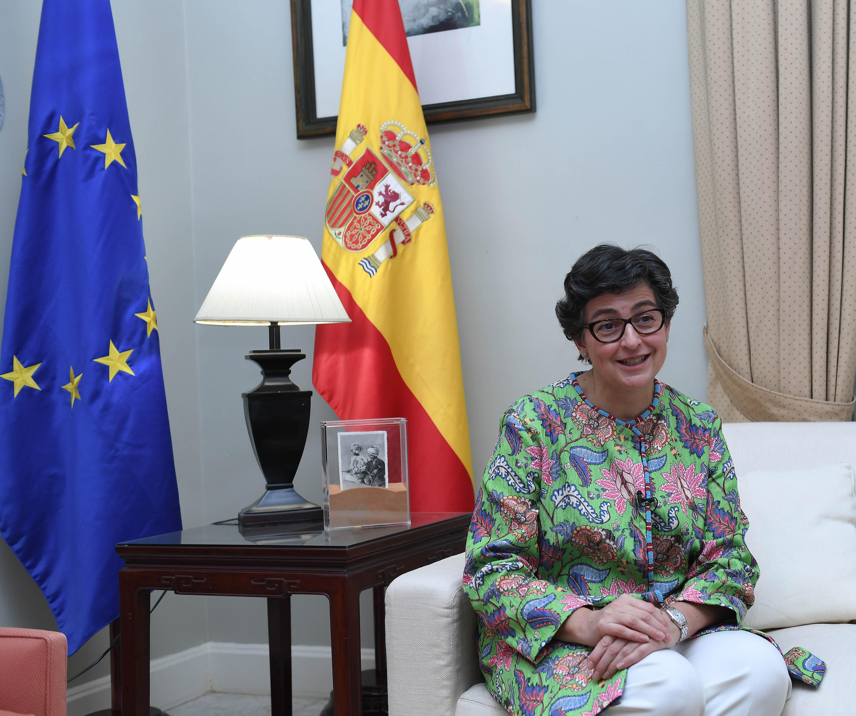 مع معالي وزيرة الشؤون الخارجيه والاتحاد الاوربي بمملكة أسبانيا ٧-٢-٢٠٢١-4.jpg