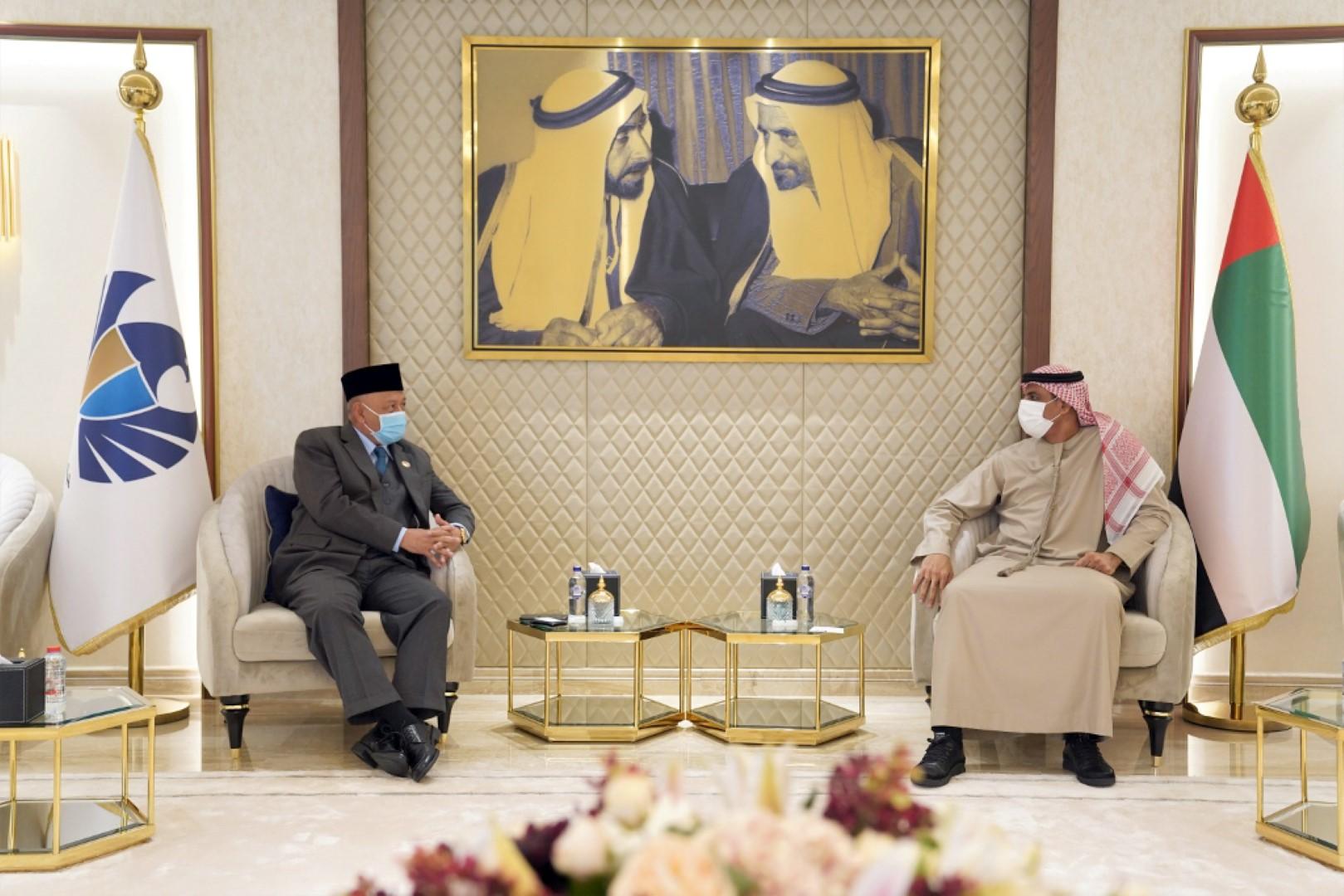 جمارك دبي تبحث مع سفارة اندونيسيا بالدولة التعاون المشترك لدعم التجارة بين البلدين