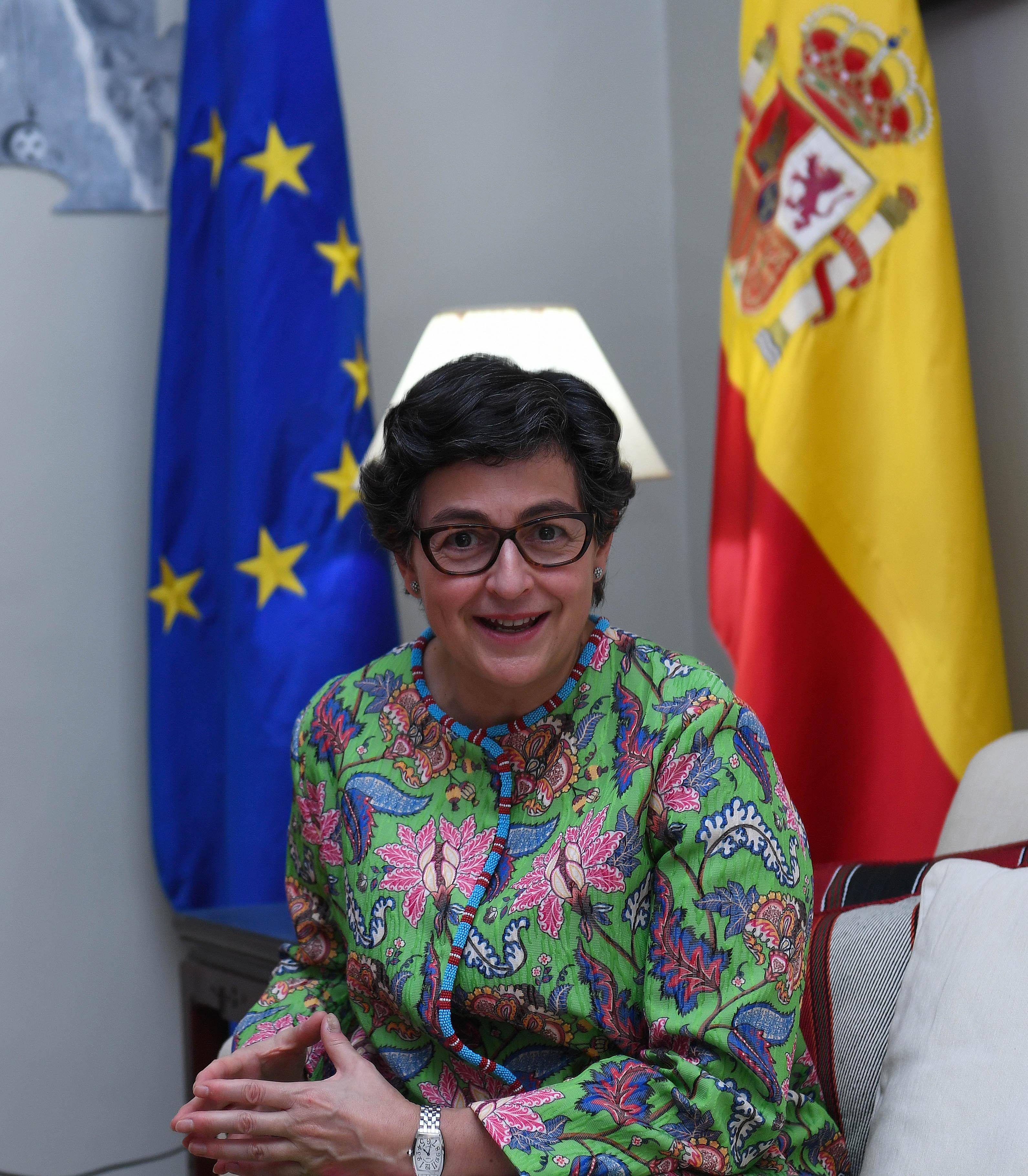 مع معالي وزيرة الشؤون الخارجيه والاتحاد الاوربي بمملكة أسبانيا ٧-٢-٢٠٢١-12.jpg