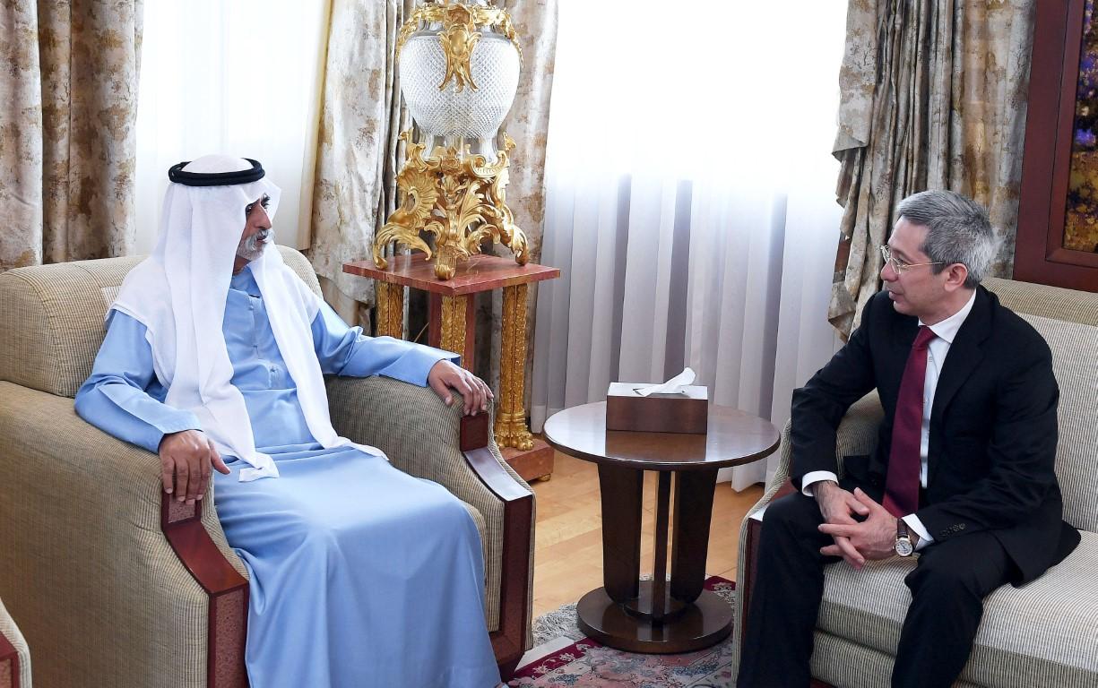 نهيان بن مبارك و سفير أوزبكستان يبحثان تعزيز التعاون ونشر مبادئ الأخوة الإنسانية