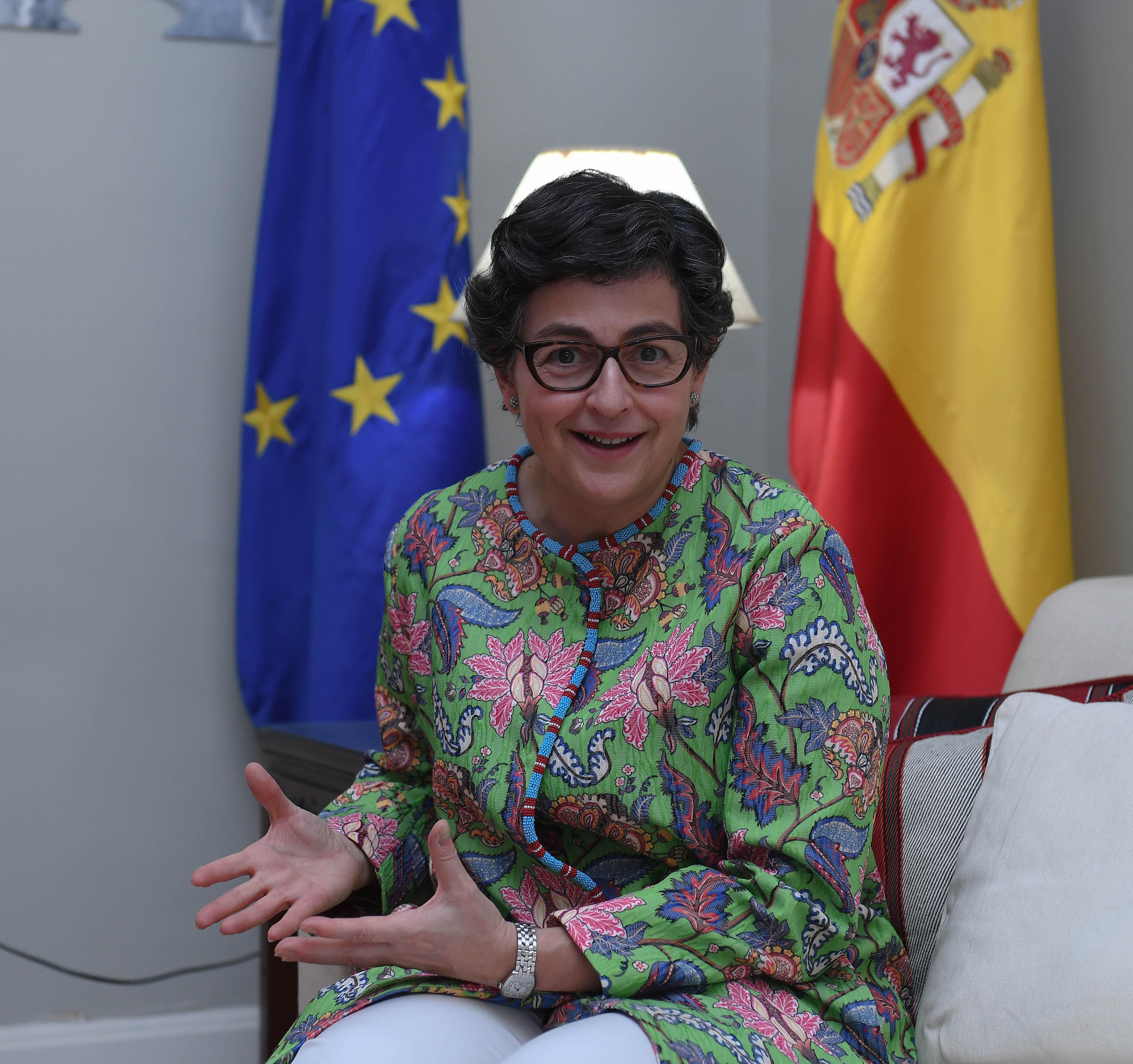 مع معالي وزيرة الشؤون الخارجيه والاتحاد الاوربي بمملكة أسبانيا ٧-٢-٢٠٢١-11.jpg