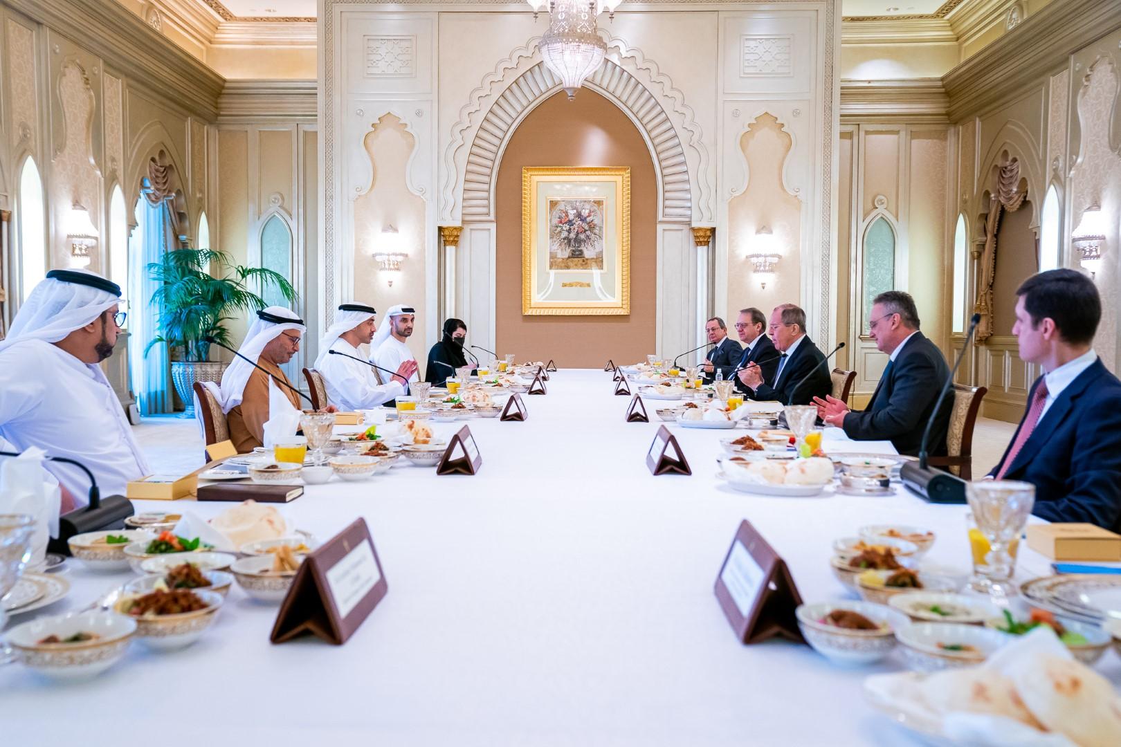 عبدالله بن زايد : العلاقات الإماراتية الروسية متطورة ومستدامة