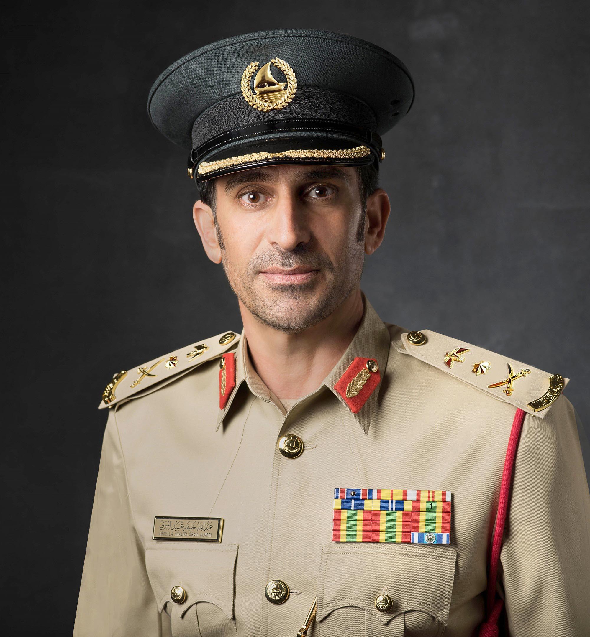 """شرطة دبي والطرق والمواصلات تطلقان حملة """"افسح الطريق في المسار السريع"""""""