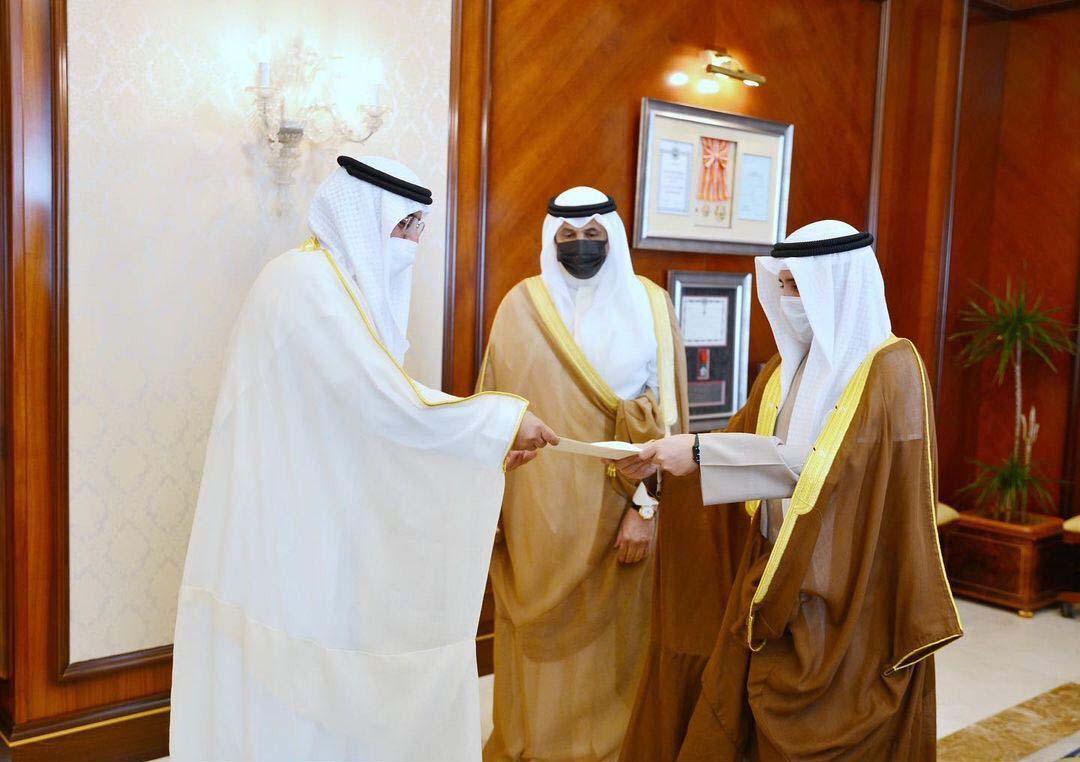 سفير الإمارات يقدم أوراق اعتماده إلى وزير خارجية الكويت