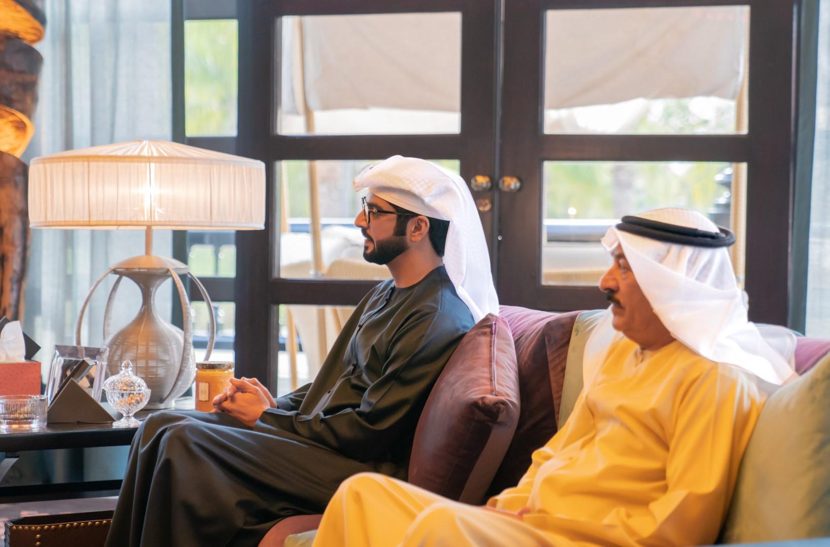 ملك البحرين يستقبل حمدان بن زايد بمقر إقامته في الرباط