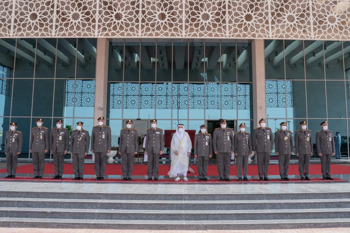 حاكم الشارقة يفتتح مبنى الإدارة العامة للإقامة وشؤون الأجانب