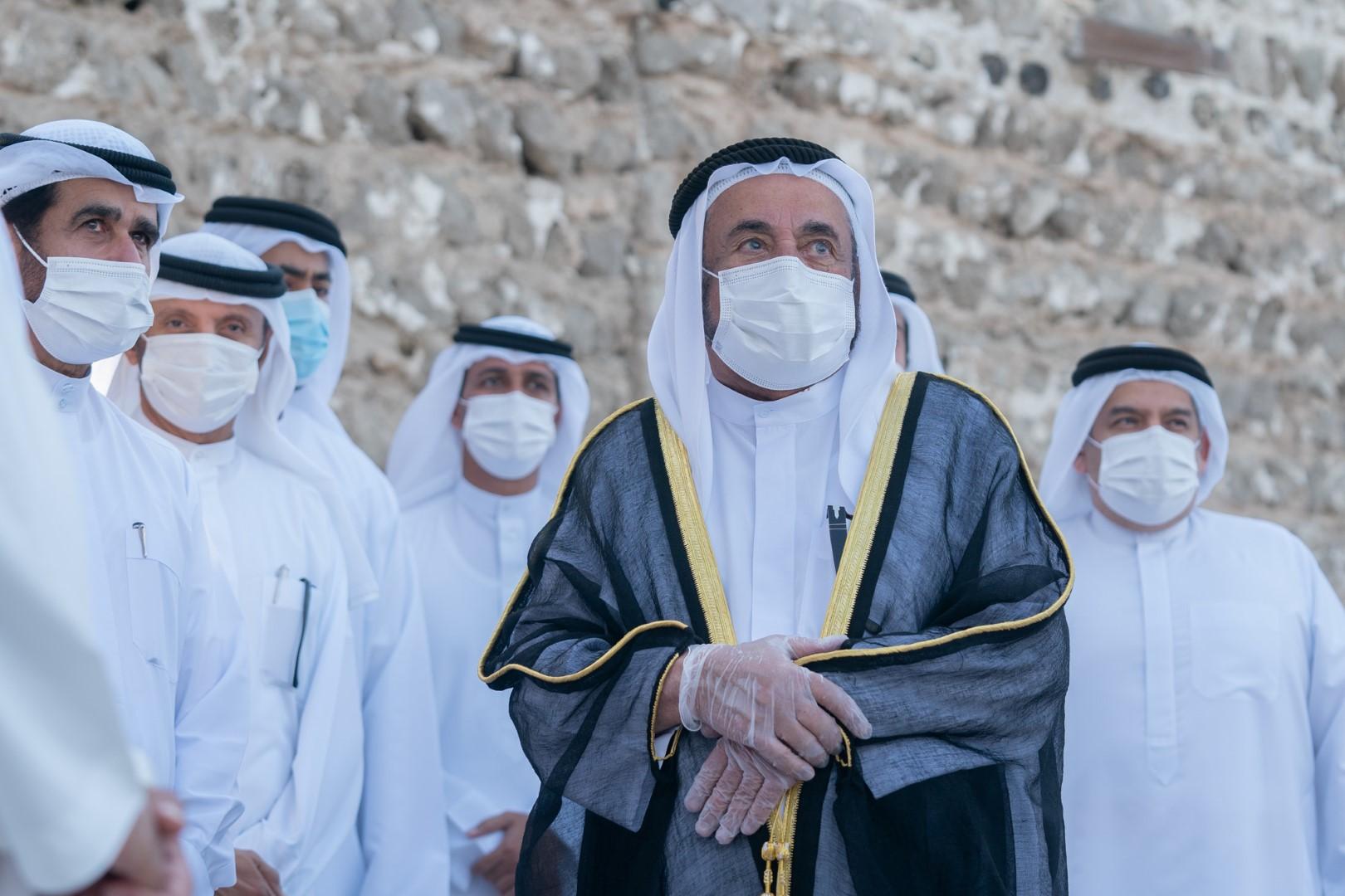 حاكم الشارقة يدشن المرحلة الأولى من مشروع ترميم بيت الشيخ سعيد بن حمد القاسمي في كلباء