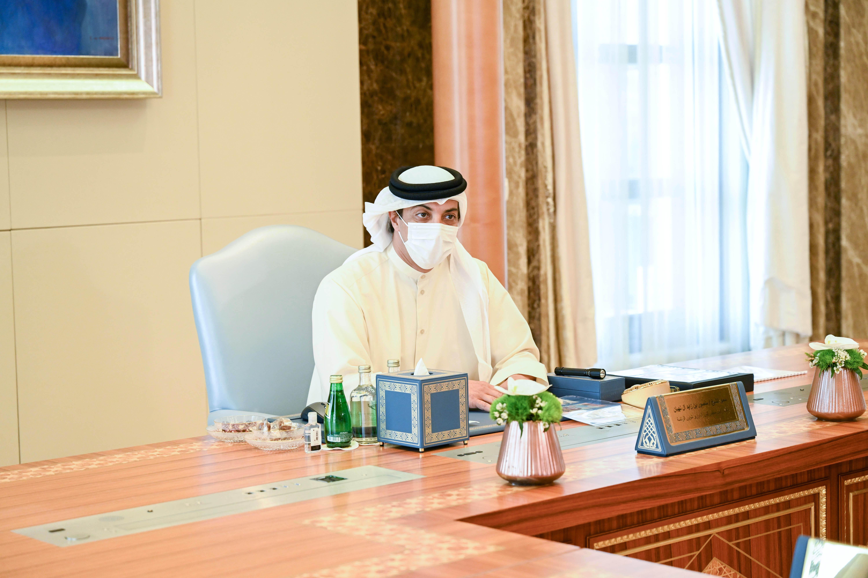 منصور بن زايد يترأس اجتماع مجلس إدارة المصرف المركزي