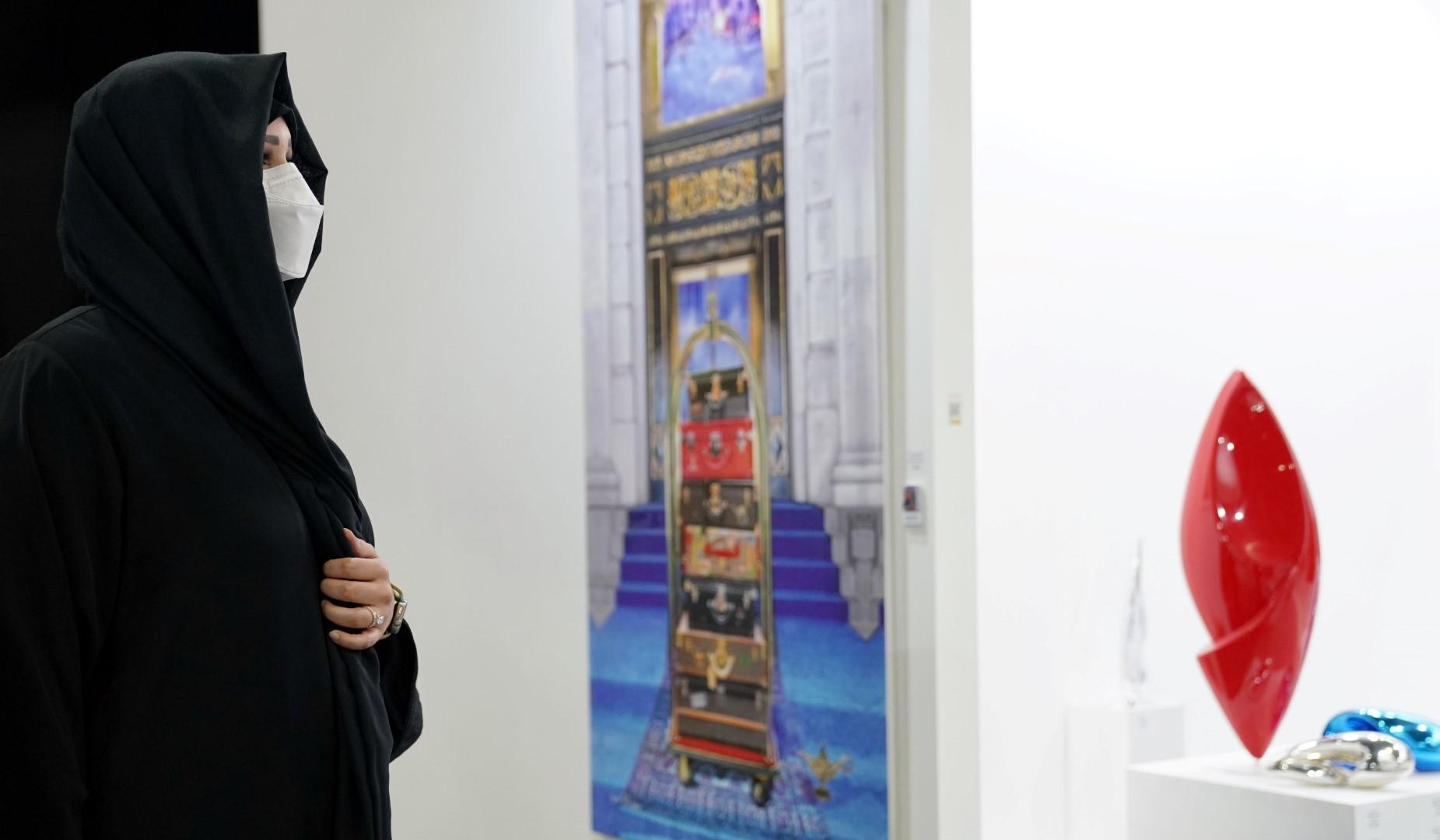 لطيفة بنت محمد تفتتح النسخة السابعة من معرض فنون العالم دبي