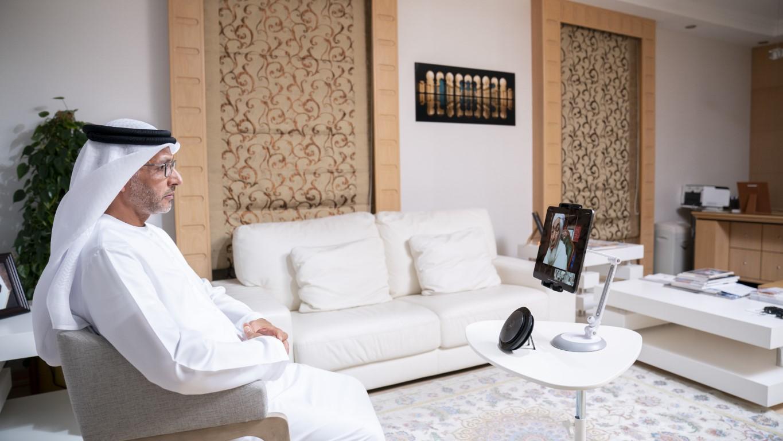 عبدالله بن زايد يشهد أولى محاضرات مجلس محمد بن زايد الرمضانية بعنوان