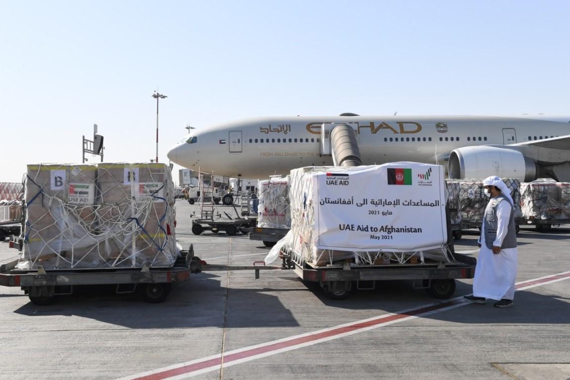 الإمارات ترسل طائرة تحمل 37 طنا من المواد الغذائية إلى أفغانستان