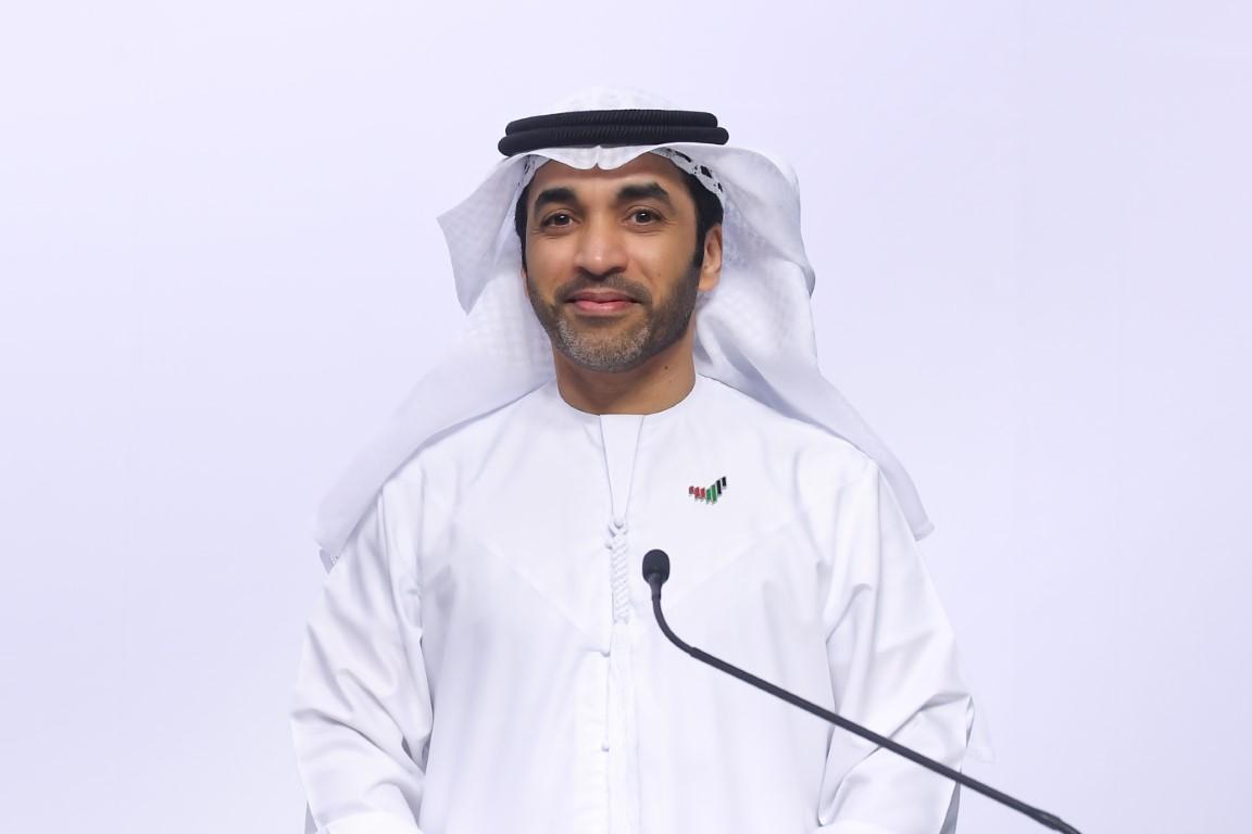 """الإحاطة الإعلامية لحكومة الإمارات : الحملة الوطنية للتطعيم تواصل تحقيق أهدافها والدولة تسير بخطى ثابتة نحو احتواء """"كوفيد - 19"""""""