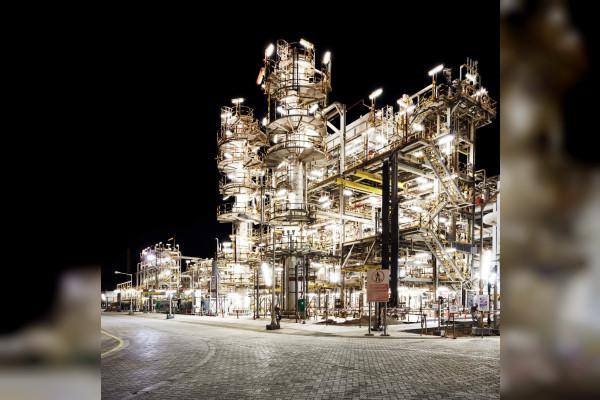 أدنوك تواصل دعمها للقطاع الصناعي في الدولة عبر إمدادات موثوقة ومستدامة من الغاز الطبيعي