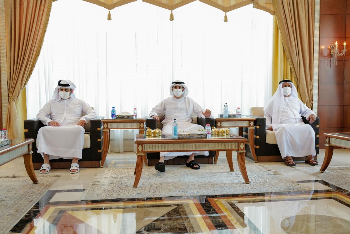 حمدان بن محمد يوجه بتخفيض إجراءات ممارسة الأعمال والاشتراطات الحكومية بنسبة 30 بالمئة