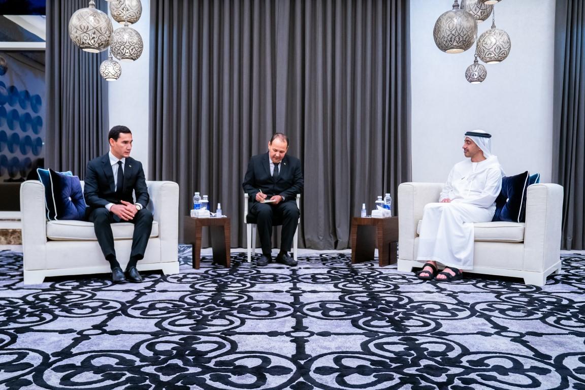 عبدالله بن زايد يستقبل نائب رئيس وزراء تركمانستان
