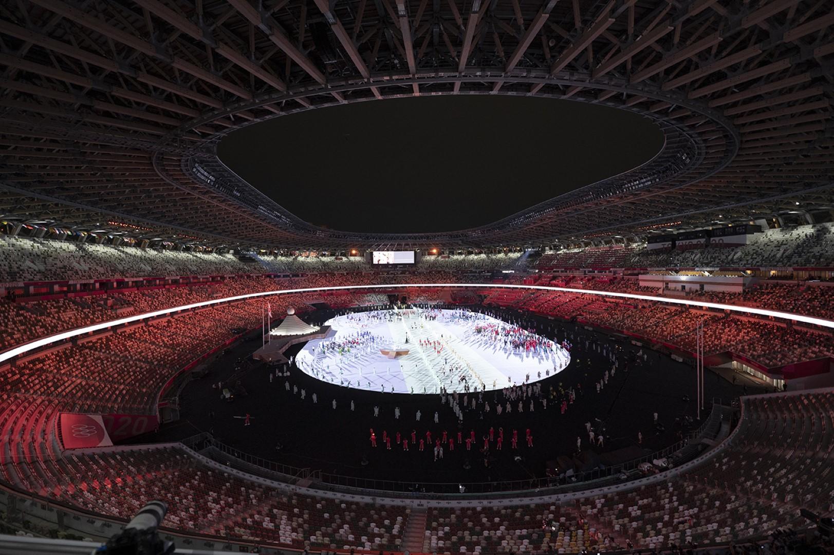المطروشي يحمل علم الدولة في حفل افتتاح أولمبياد طوكيو 2020