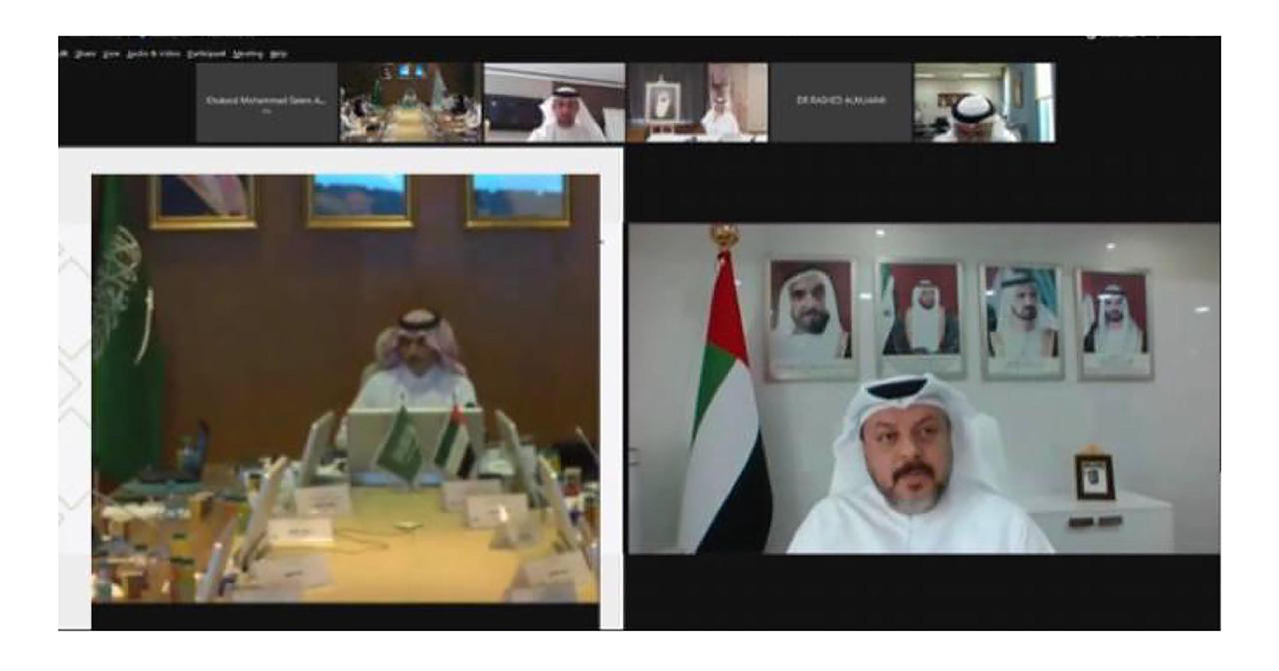 لجنة التنمية البشرية بالمجلس السعودي الأميري تستعرض إنجازاتها ومبادراتها الجديدة