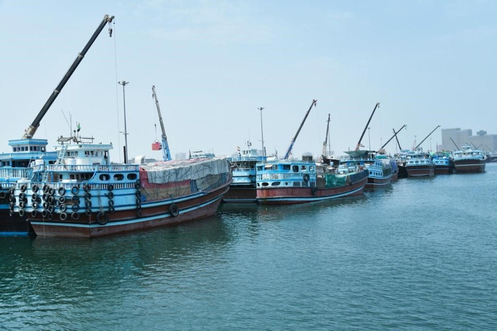 دخول أكثر من 5000 سفينة تجارية خشبية إلى مرافئ دبي خلال النصف الأول