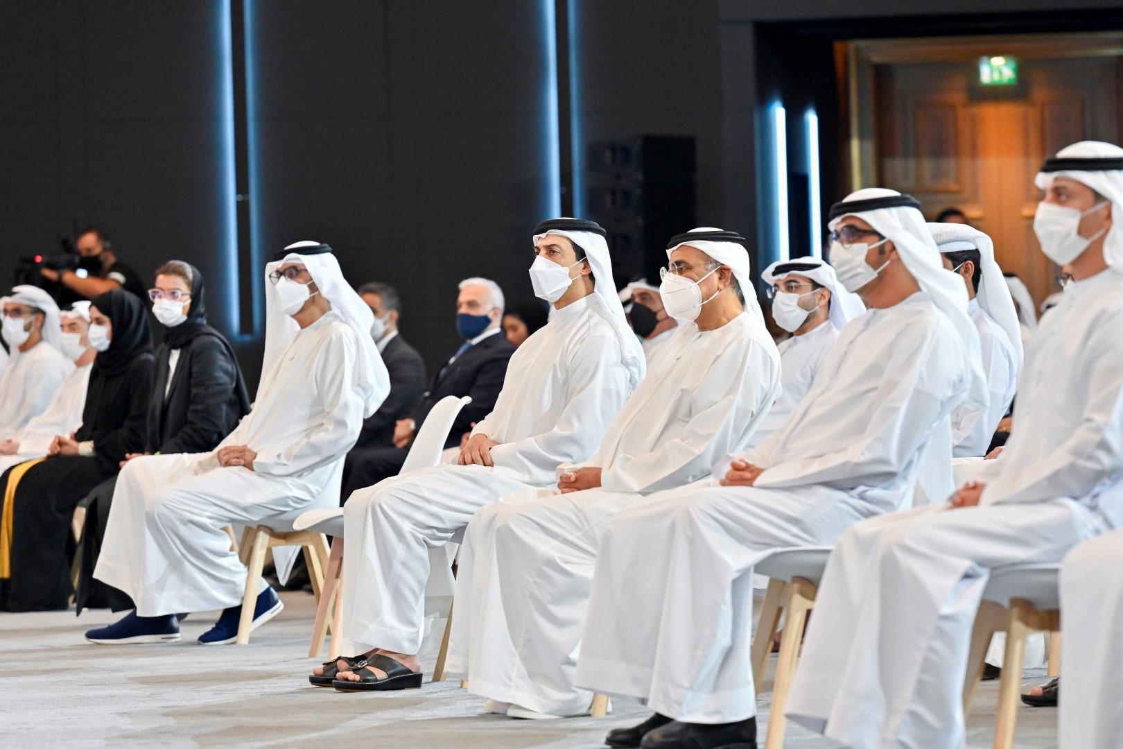 رئيس الدولة يوجه بتخصيص 24 مليار درهم لاستيعاب 75 ألف مواطن في القطاع الخاص خلال السنوات الخمس المقبلة