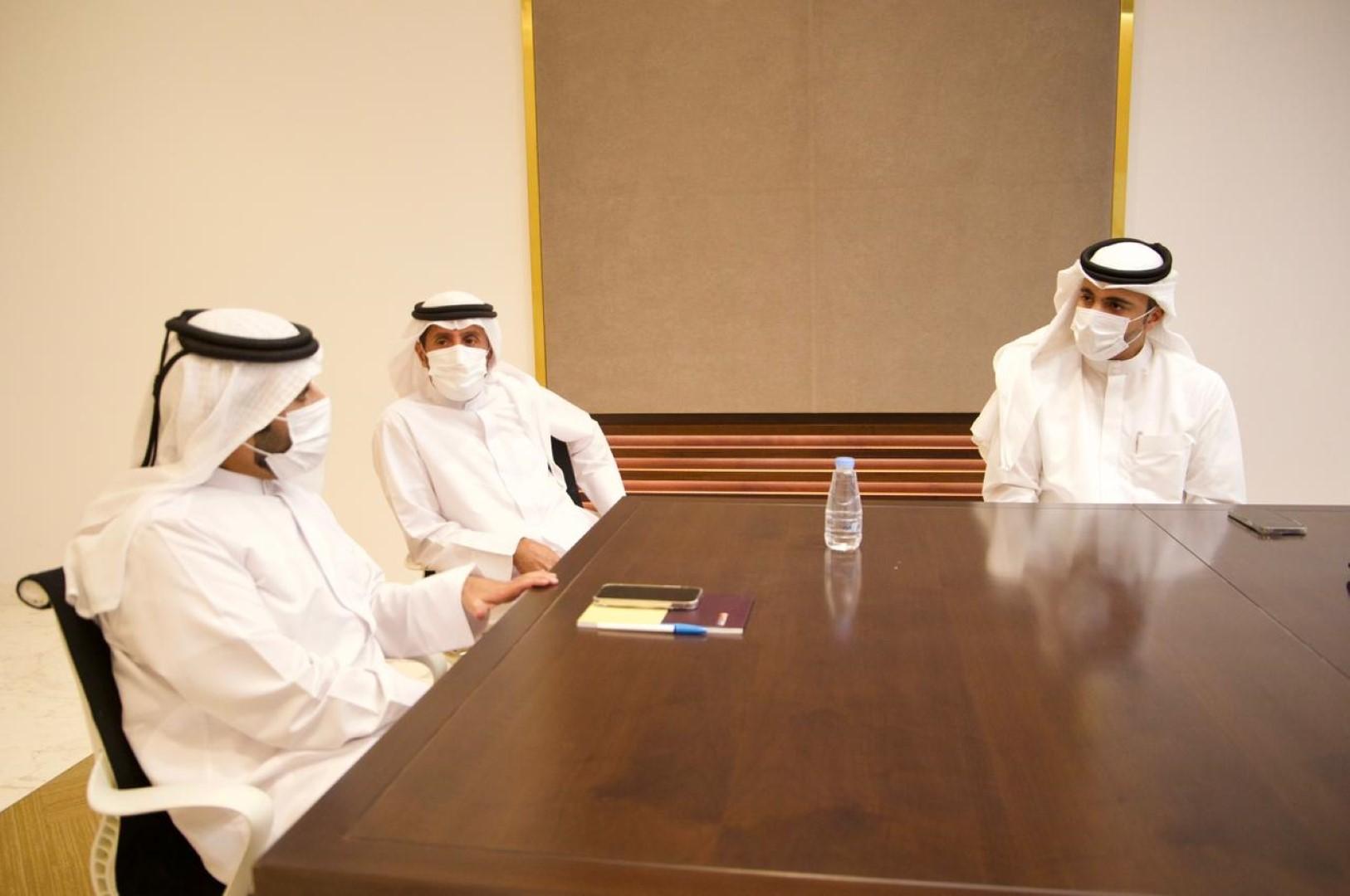 خالد القاسمي يؤكد أهمية تحسين أداء العمليات وتبسيط الإجراءات في منافذ الشارقة