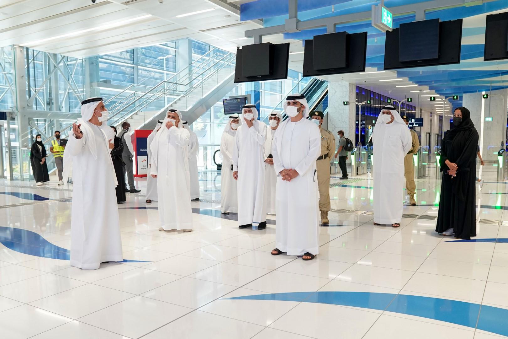 """منصور بن محمد يتفقد استعدادات الأمن والسلامة في """"إكسبو 2020 دبي"""""""