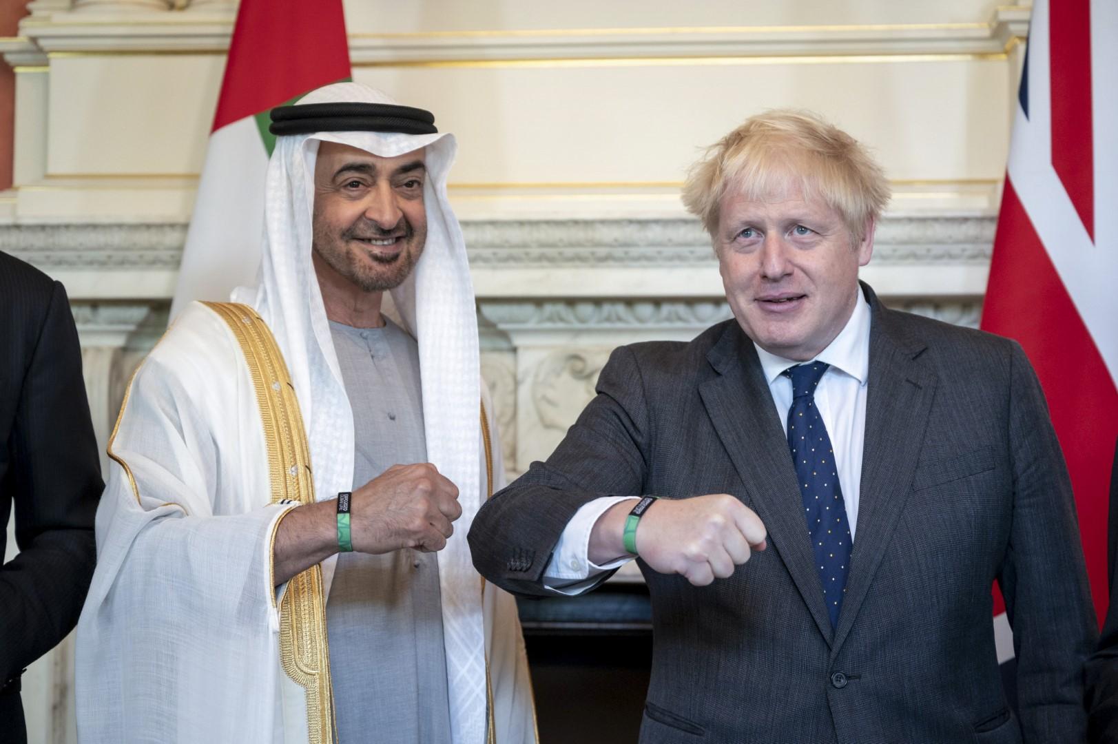 محمد بن زايد ورئيس وزراء بريطانيا يبحثان في لندن علاقات البلدين والتطورات الإقليمية