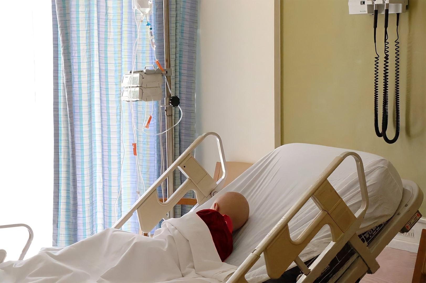 جواهر القاسمي توجه بإرسال أدوية بقيمة 6 ملايين درهم لدعم الأطفال مرضى السرطان في لبنان
