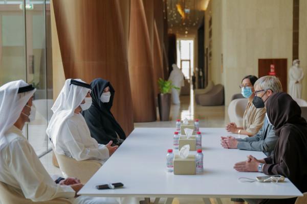 مكتوم بن محمد يلتقي مدير عام المجلس الدولي للمتاحف و يؤكد تطلع دبي للترحيب بمؤتمره العام في 2025