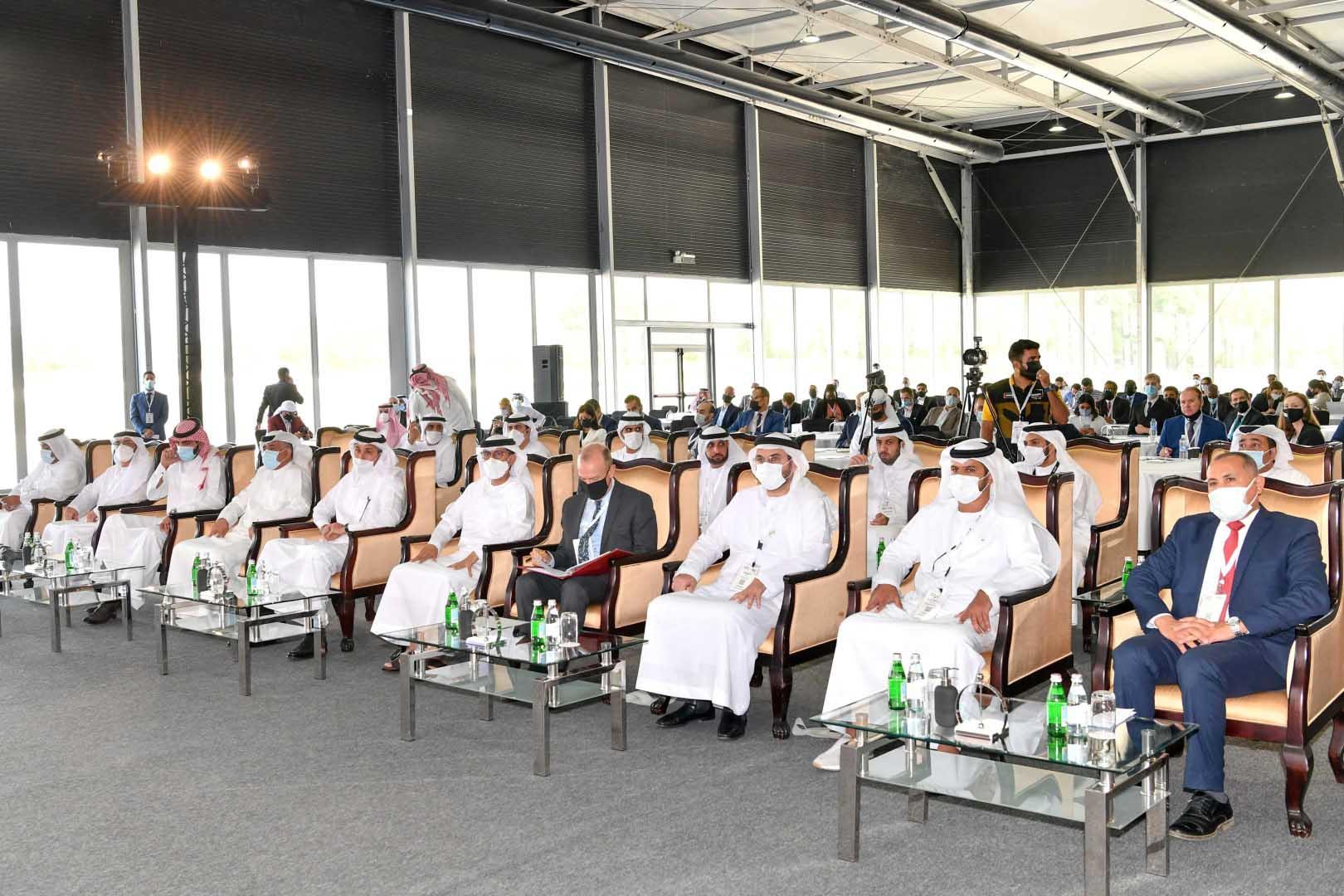 """سهيل المزروعي يفتتح """"معرض ومؤتمر الشرق الأوسط للسكك الحديدية 2021 """" بدبي"""