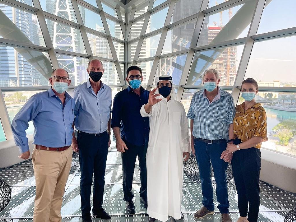مركز دبي للسلع المتعددة يختتم مناقصة لأغلى حجر خام يتم بيعه فيها