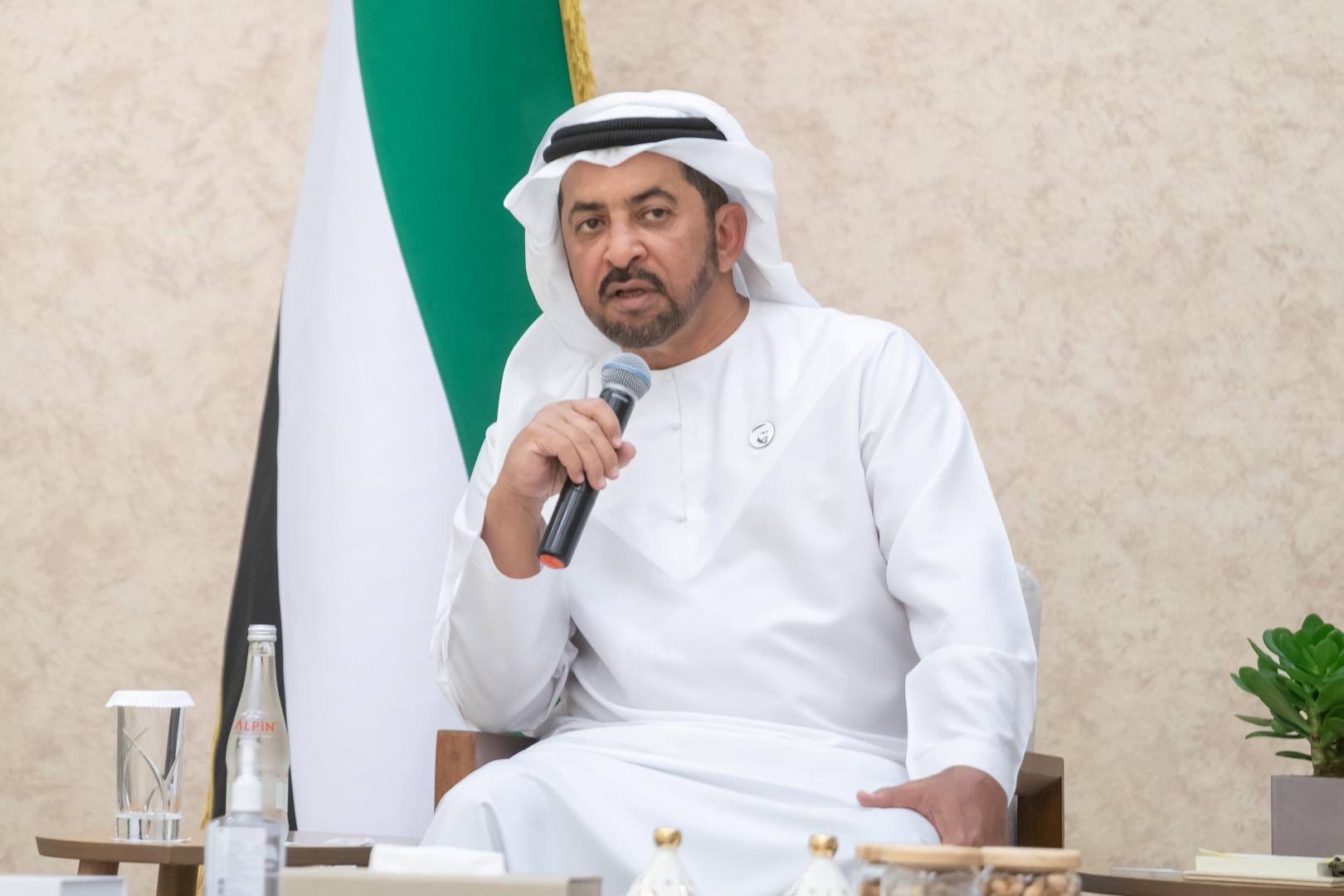 """حمدان بن زايد: في """"عام الخمسين"""".. نحتفي بزفاف 50 عريسا من أبناء منطقة الظفرة"""